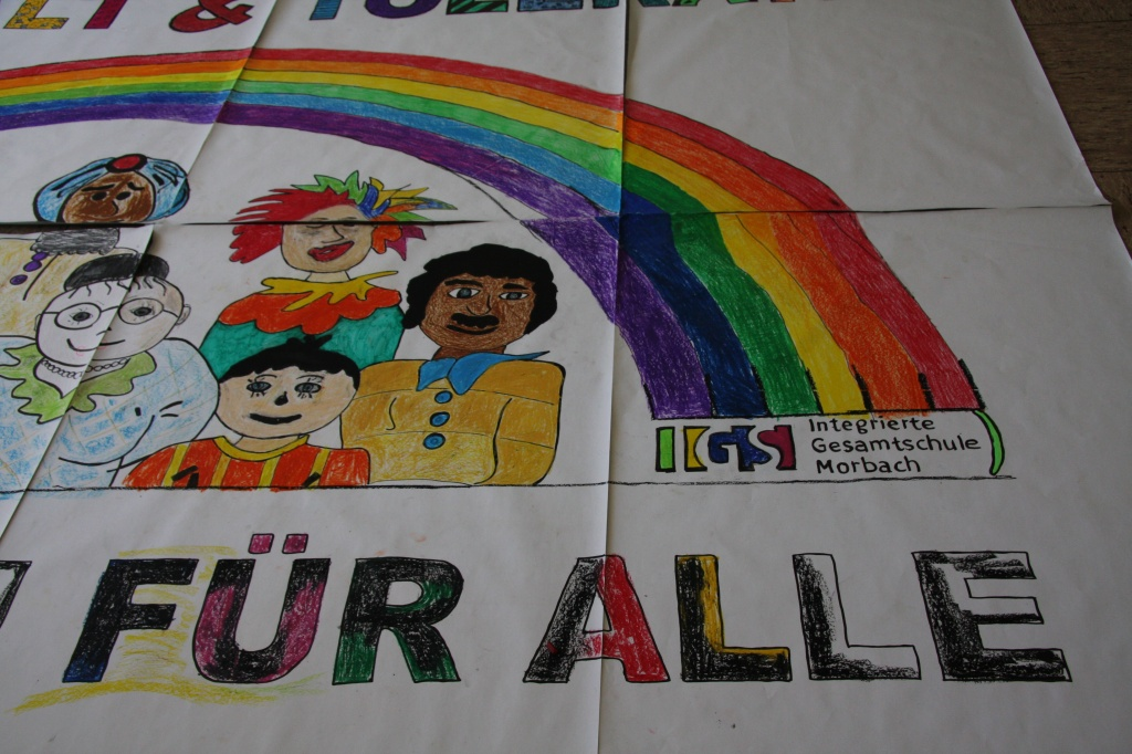 SchülerInnen malen Plakate3